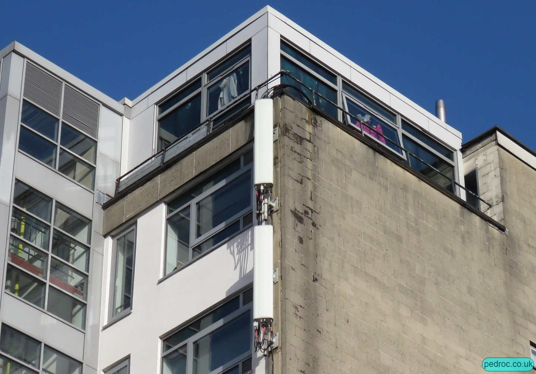 Windsor Place, sahred mast, Cardiff