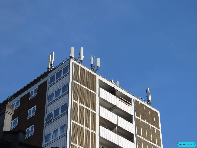 Coltash Court Mast with EE 5G
