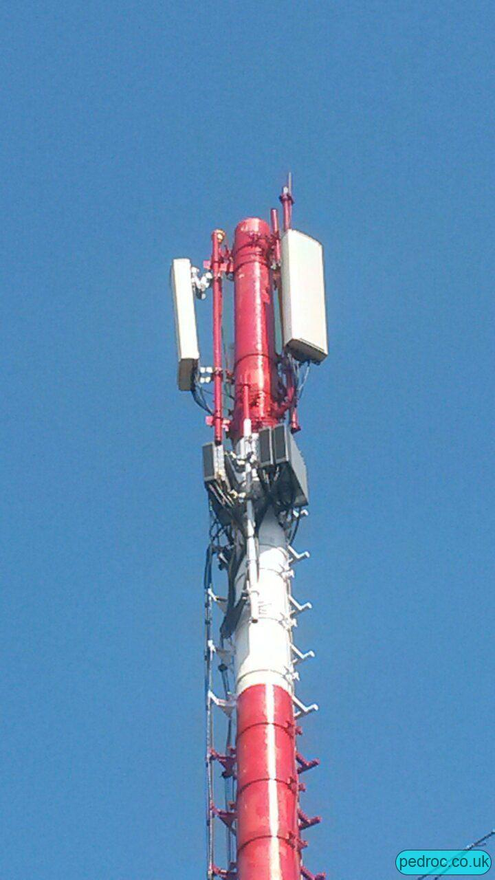 Cubacel Nokia Mast with three Nokia Radios and Kathrein antennas. The three Nokia radios are probably split two for 900MHz (FXDBs) and one for L18.
