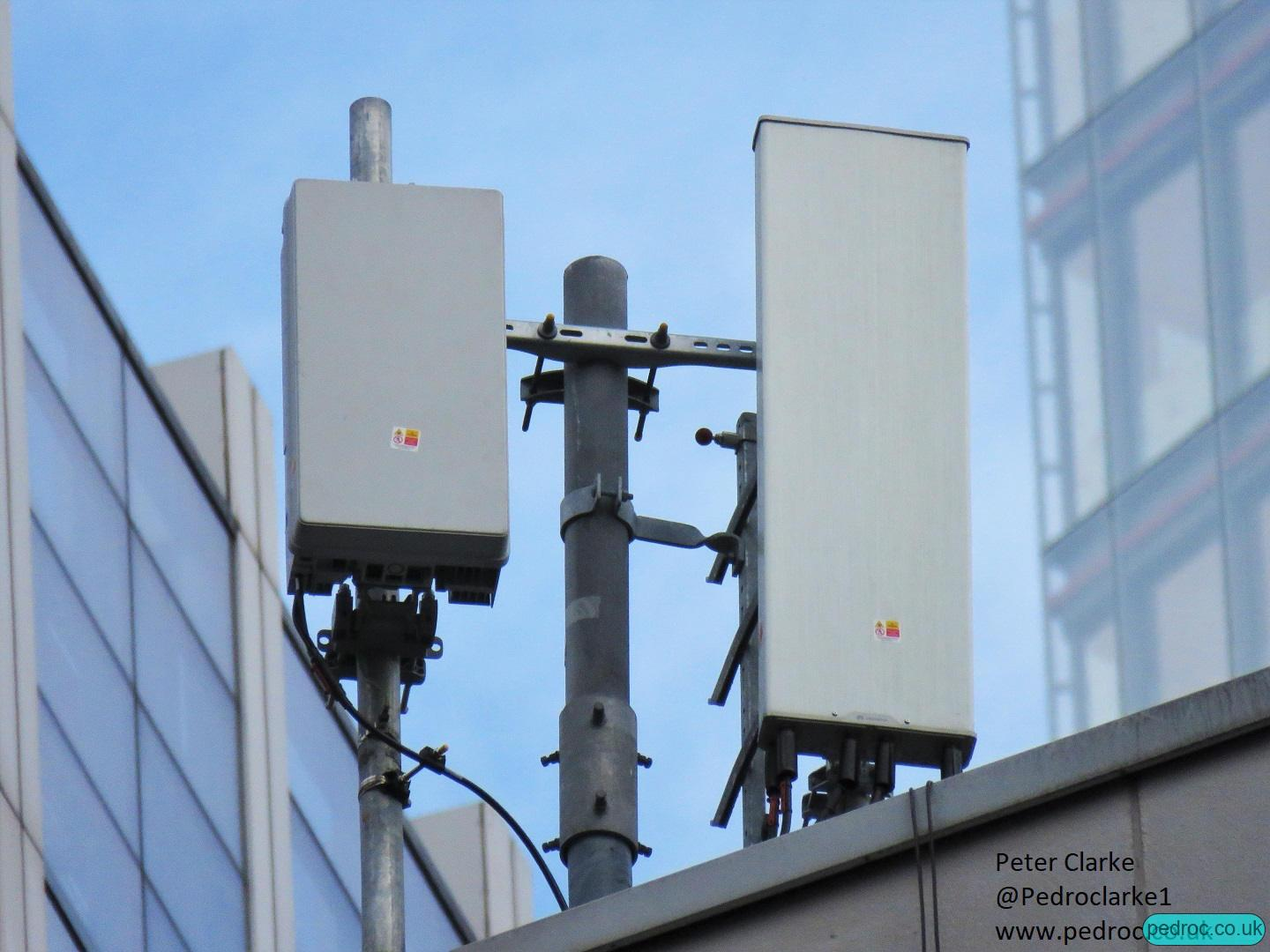 Closeup of EE 5G at Wormwood Street using Huawei AAU5613 Massive MIMO