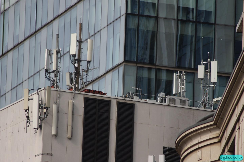 EE 5G at Wormwood Street using Huawei AAU5613 Massive MIMO