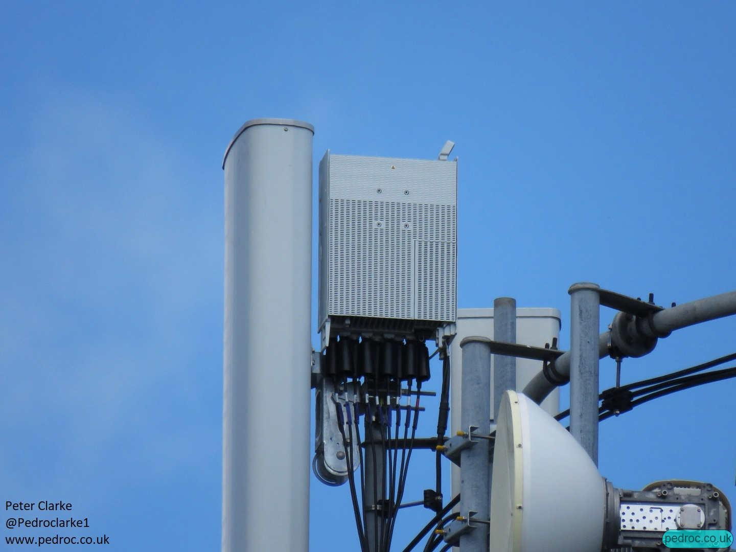 Huawei RRU 5258 for 8T8R N78 behind Huawei AOC4518r8v06 antenna on this EE 5GEE mast.
