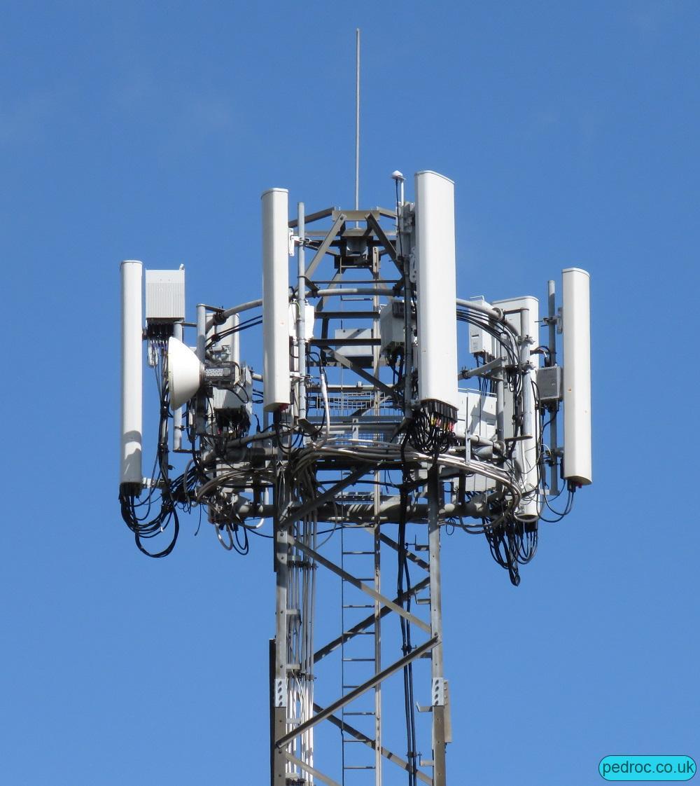 EE 5G 5GEE Masts