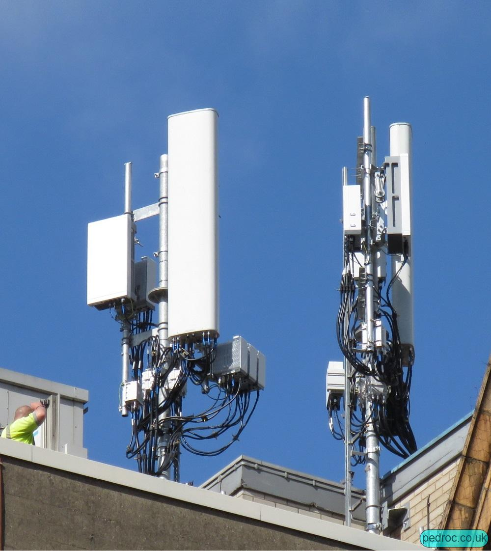 Image of Vodafone and O2 4G mast