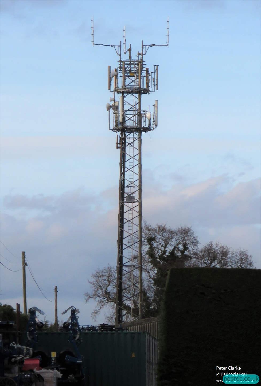 Holt EE/3 Mobile Mast