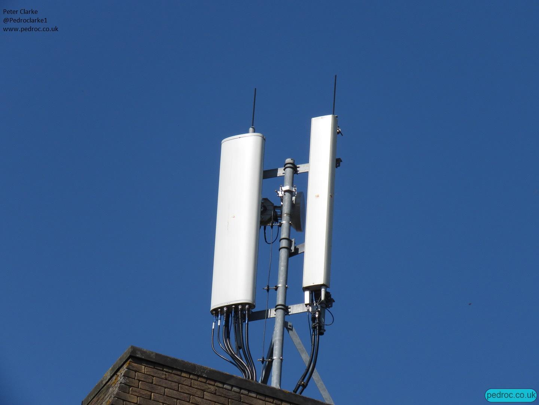 O2 host Amphenol and Kathrein Antennas.
