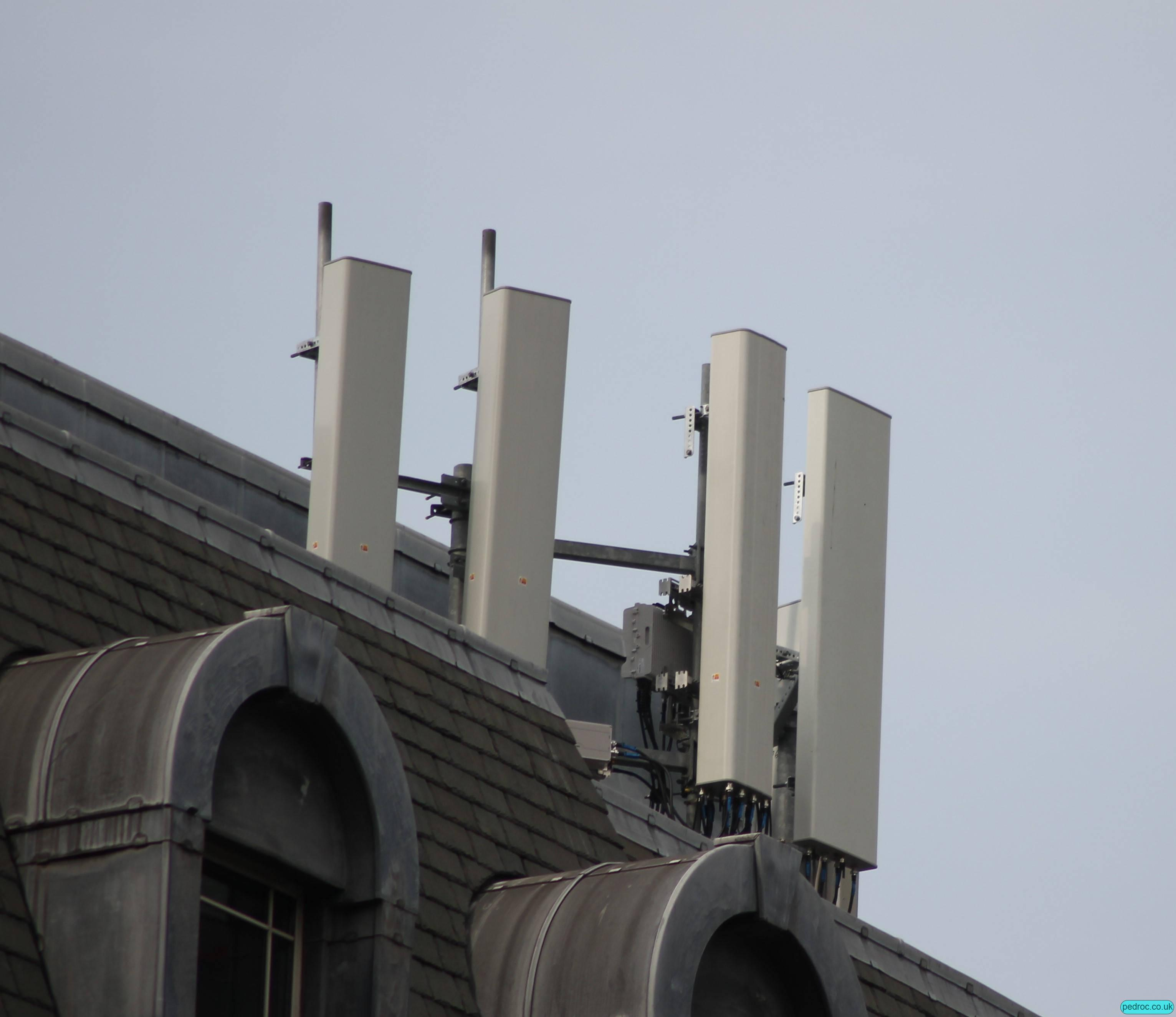 Full London Beacon 2 Structure only share where Vodafone and o2 have separate antennas. O2 with Commscope 2CPX208R (dual beam U09+L08) and CVV2NPX308.208R (G09+L23 4T4R+dual beam L18 and L21)