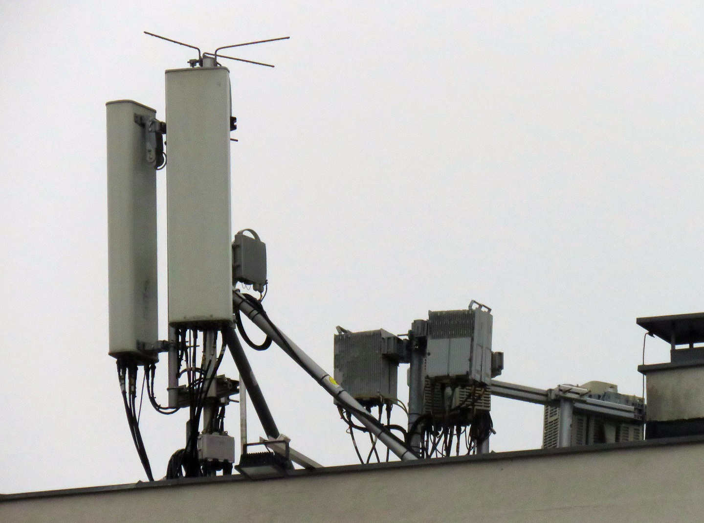 Huawei antennas and RRUs