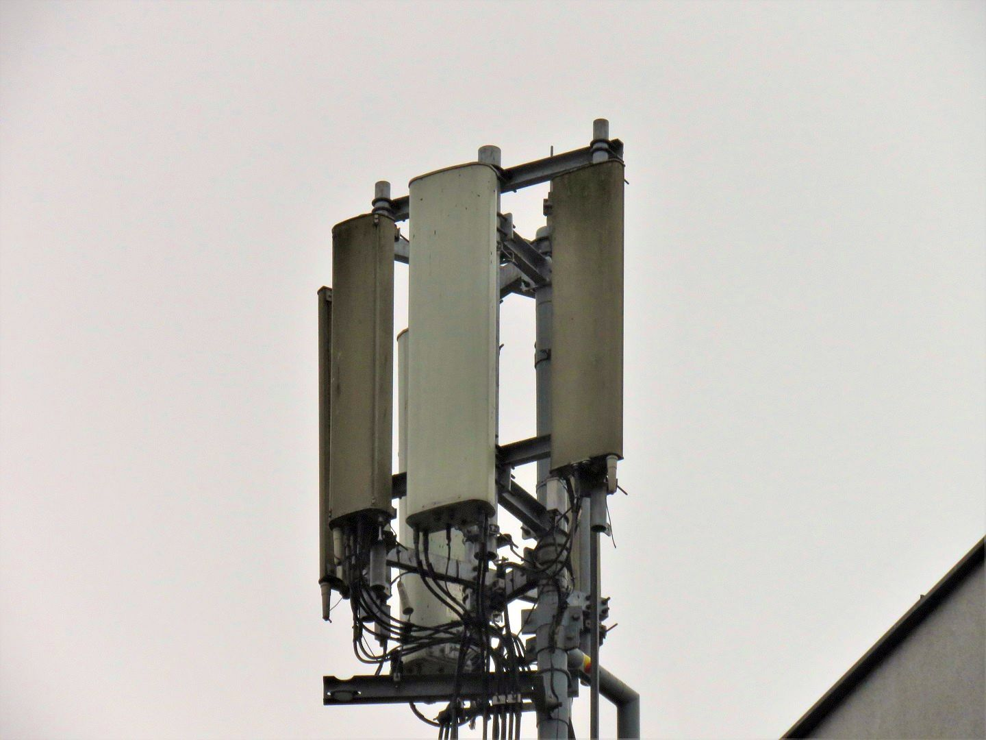 Huawei and Kathrein Antennas used by Orange and T-Mobile