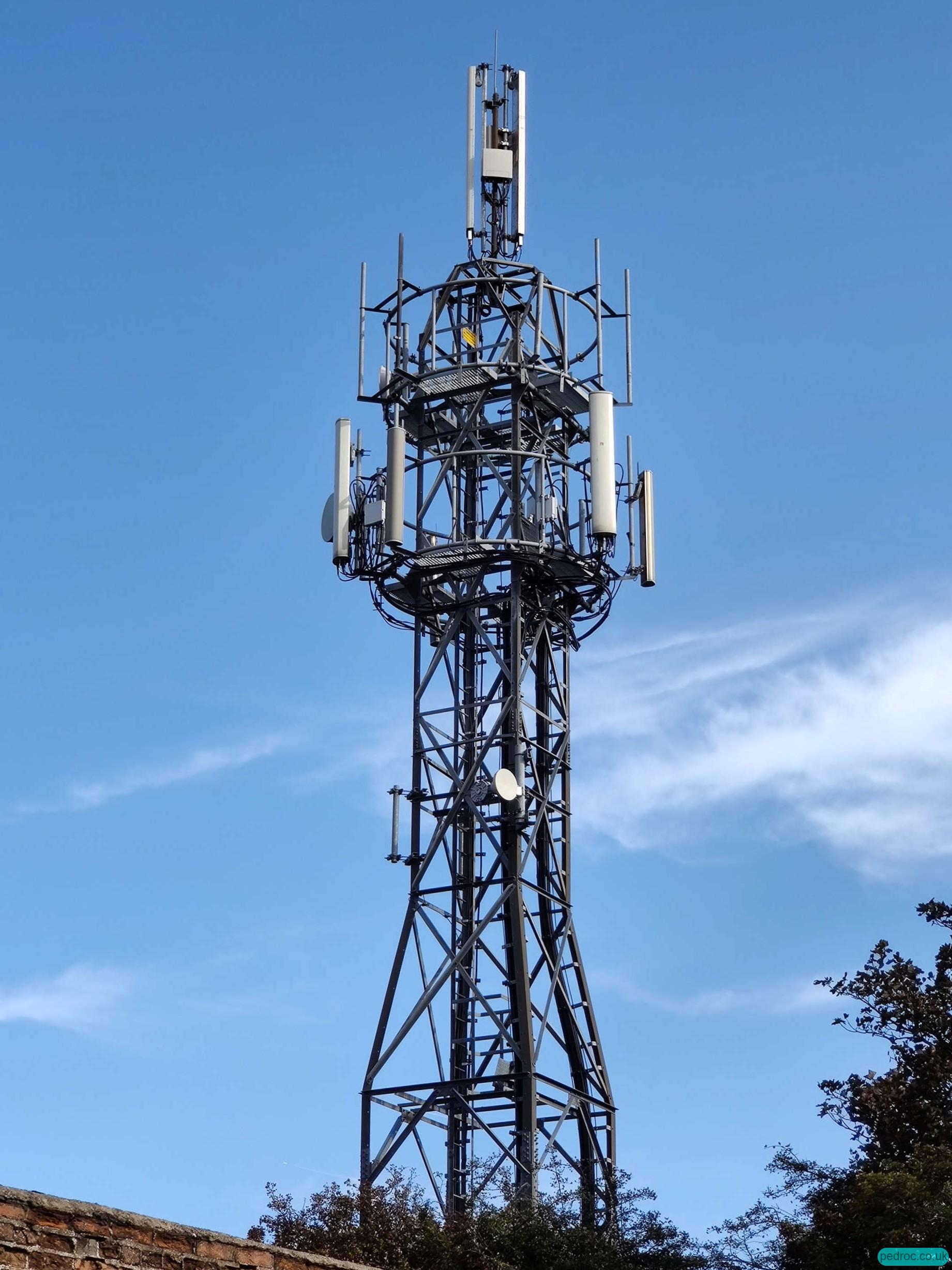 Three UK Chariot project Huawei mast rebuild with 2T2R near Reighton, Yorkshire