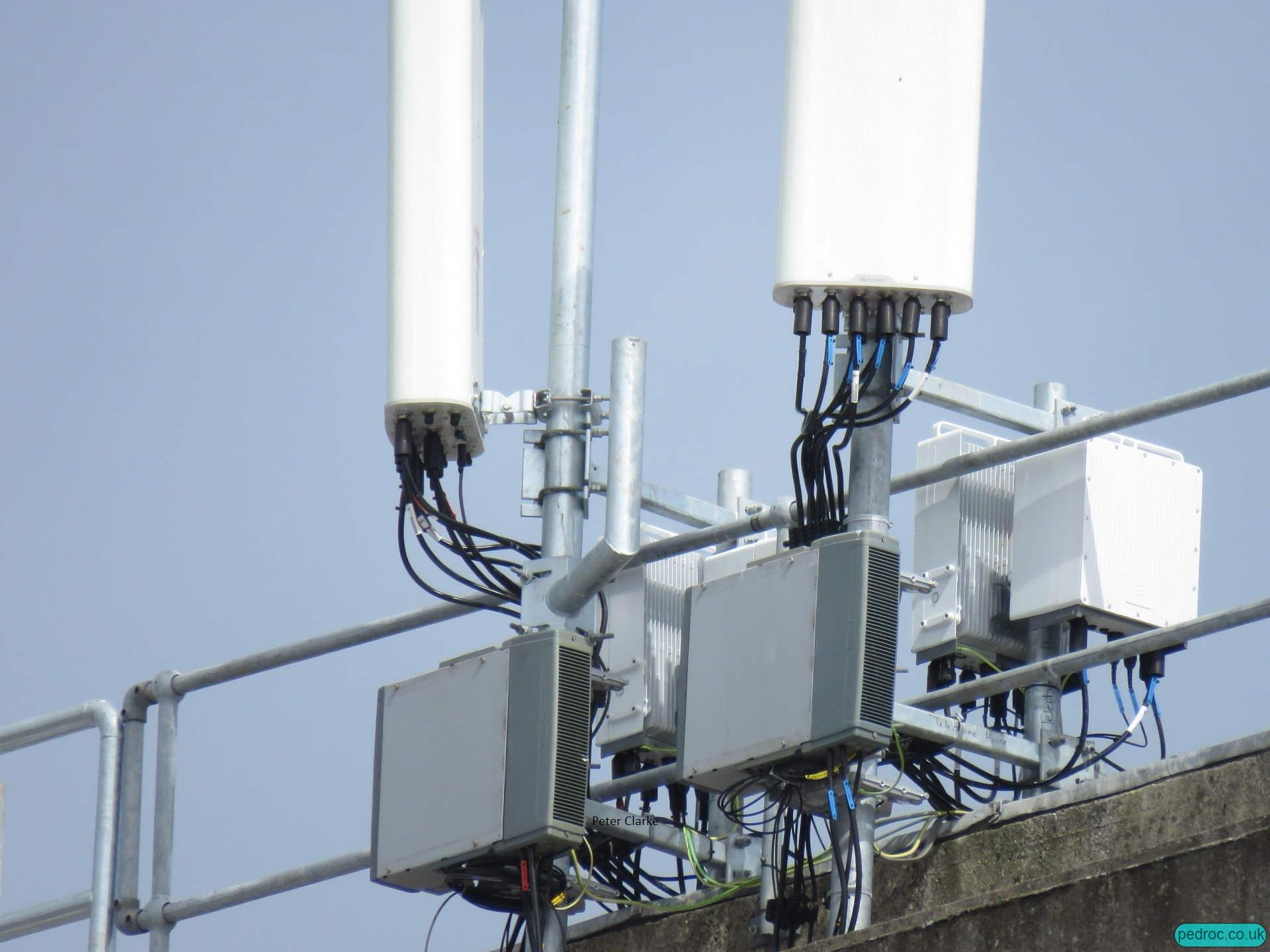A closeup of the flagship Three Ericsson site in Dublin: Ericsson 2238 triple band radios capable for B8 (900MHz), B20 (800MHz) and Band 28 (700MHz); Ericsson 4443 radios for B3 (1800MHz) and B1 (2100MHz) and Nokia FXDBs for 900MHz.