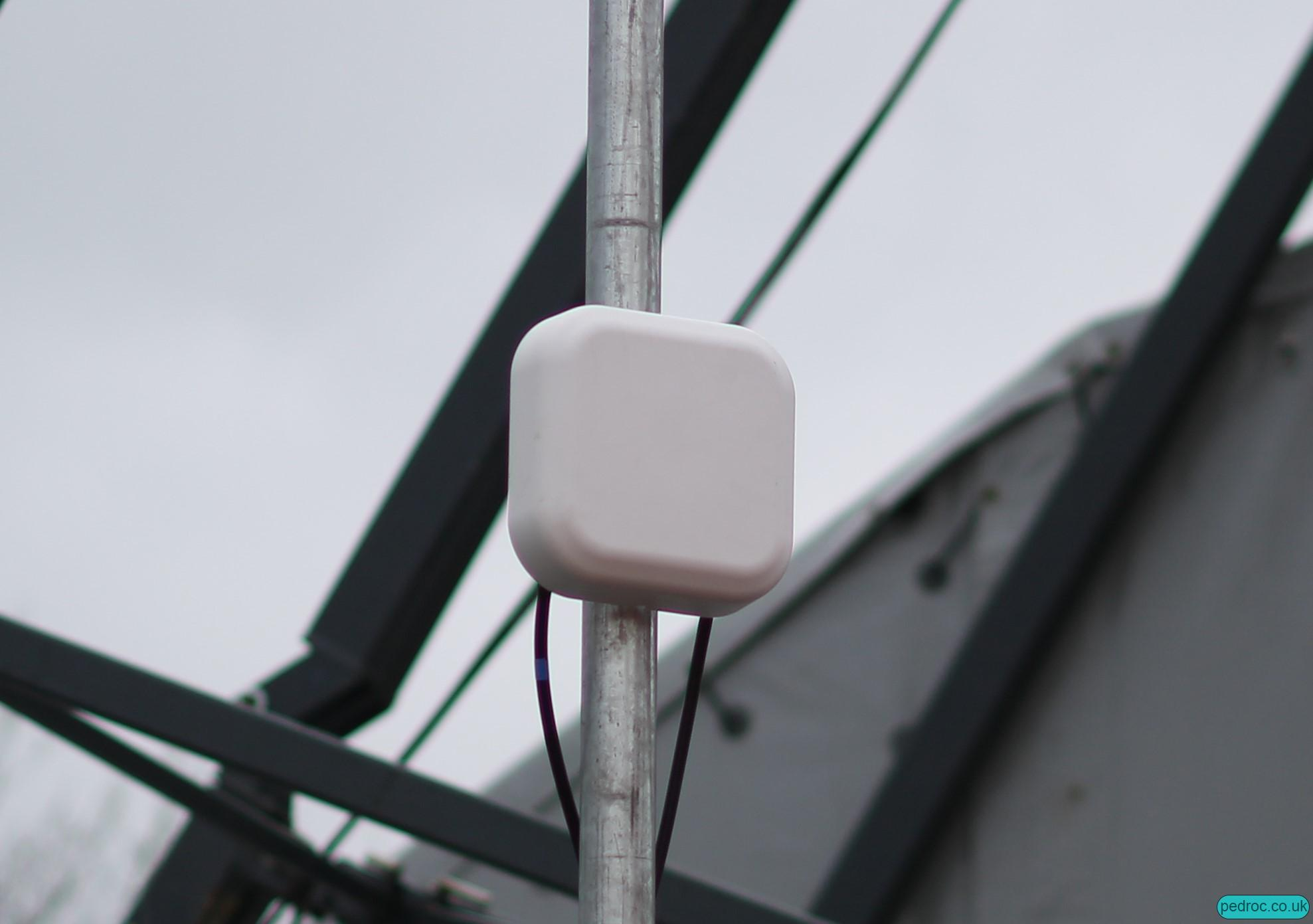 O2's micro/mini DAS style antennas at Winter Wonderland.